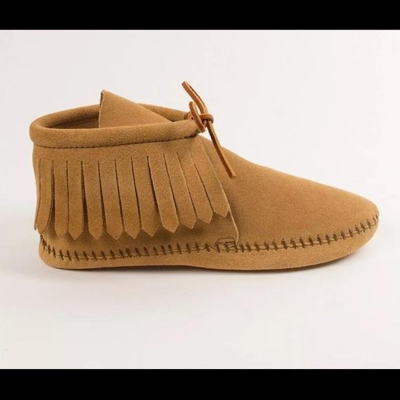 Minnetonka Shoes Moccasins Booties Womens 55 Tan Poshmark